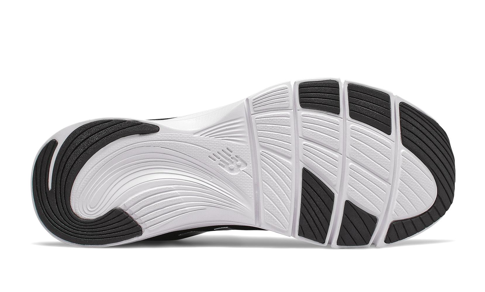 Жіноче взуття для тренувань Кросівки жін. 715 чорні WX715RE3   New Balance