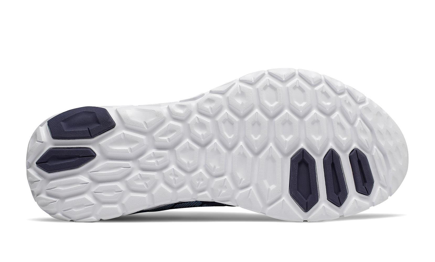 Чоловіче взуття для бігу Fresh Foam Beacon v2 MBECNDB2   New Balance