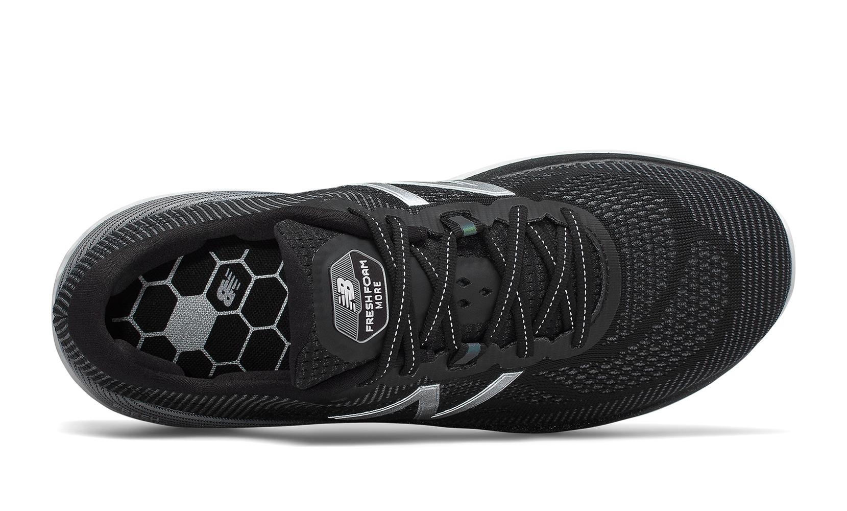 Чоловіче взуття для бігу Fresh Foam More MMORBK | New Balance