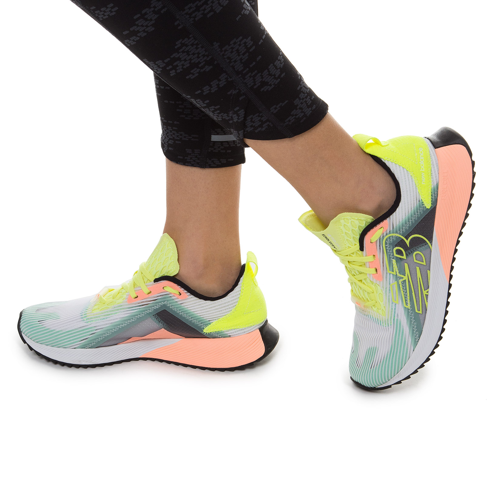 Жіноче взуття для бігу Fuel Cell Echo Echolucent WFCELLM | New Balance